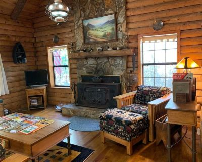 River Moss Cottage - On the Toccoa River - Suches