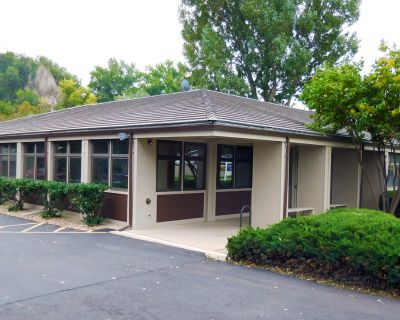 Fantastic Medical / Professional Office Space For Lease