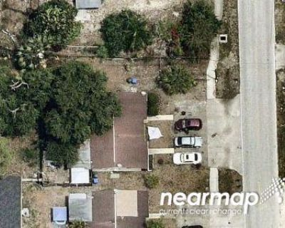 4 Bed 4.0 Bath Preforeclosure Property in Fort Myers, FL 33901 - Jackson St