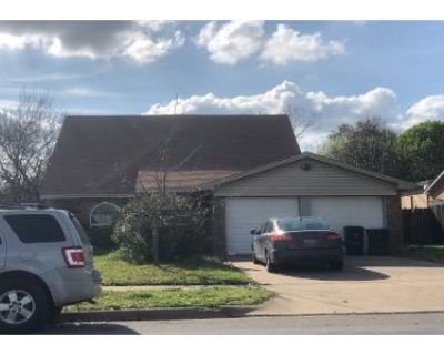 4 Bed 2 Bath Preforeclosure Property in Fort Worth, TX 76133 - Woodway Dr
