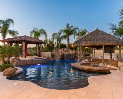 BRAND NEW TO VRBO! - Resort Estate on 1.3 acres, 7,000 square feet and resort backyard! - North Scottsdale