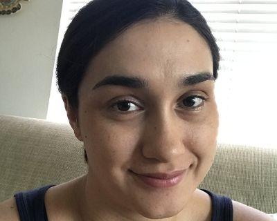 Professional Female seeks a room