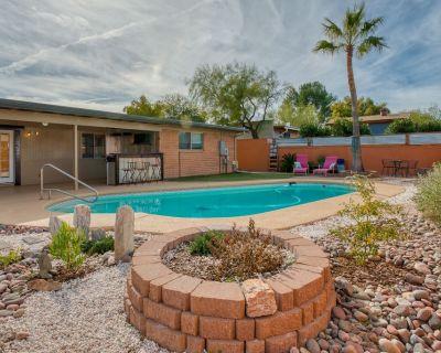 Beautiful, Safe, Family Friendly Compound - Tucson
