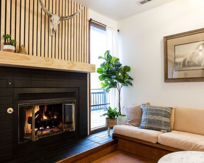 Quaint Chalet in the heart of town. Steps away from trails and bike paths! - Downtown Park City