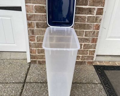 Dog food storage container, measures 21 1/2 tall x 18 x 10 , EUC