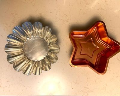 2 Vintage Aluminum Baking/Cooking Molds