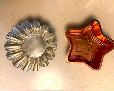 2 Vintage Aluminum Baking/Cooking Molds