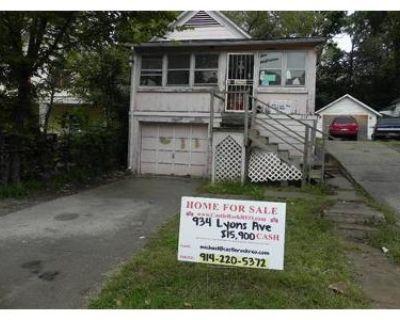 2 Bed 1.0 Bath Foreclosure Property in Kansas City, KS 66101 - Lyons Ave