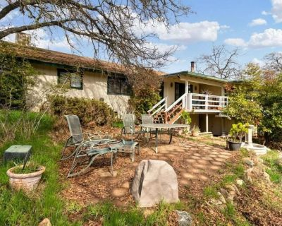 Awesome location in lower foothills just 15 minutes from 168 freeway entrance.