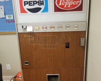 Vintage Vendolator VF246 Soda Vending Machine