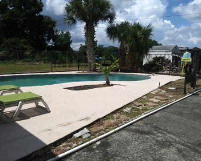 Roomy Backyard with Sparkling Pool, Orlando, FL
