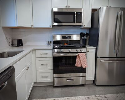 King BED - PET Friendly - Fully Remodeled Home - Northeast Park Hill