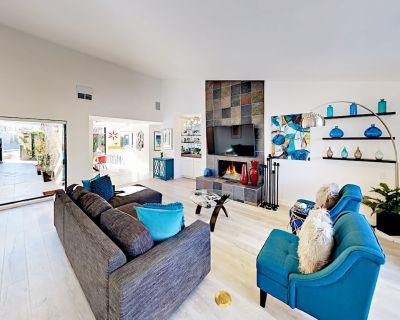 Contemporary Townhouse with Private Pool & Spa   2 Miles to Downtown - Palm Springs