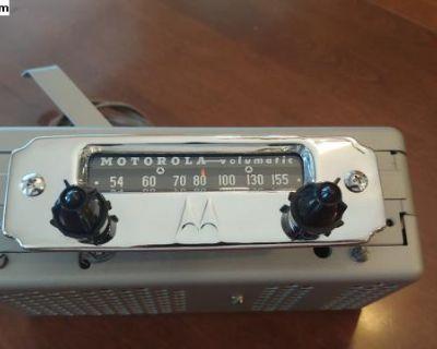 Motorola Big M Volumatic 5M 6 volt oval Radio