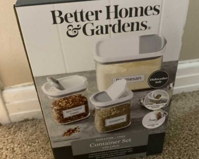 Better Homes and Gardens 3pc spice containers