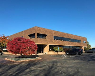 Ideally situated office space with prominent exposure along Yankee Doodle