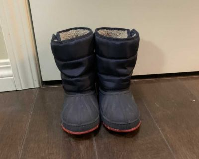 toddler winter boots SIZE US 10