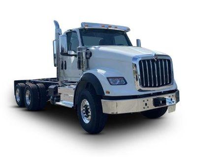 2022 INTERNATIONAL HX620 Day Cab Trucks Truck