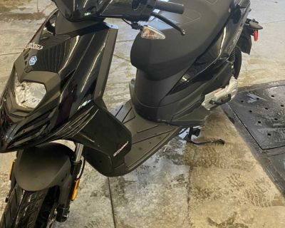 Piaggio Typhoon 50cc Scooter (moped)