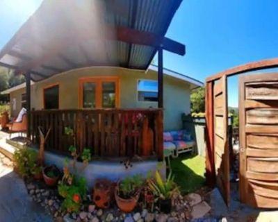 Craftsman Home & Cottage Studio Sparkling Between Mountain and Ocean - Fernwood