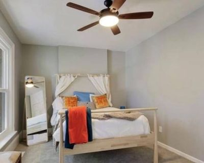 Private room with shared bathroom - Denver , CO 80205