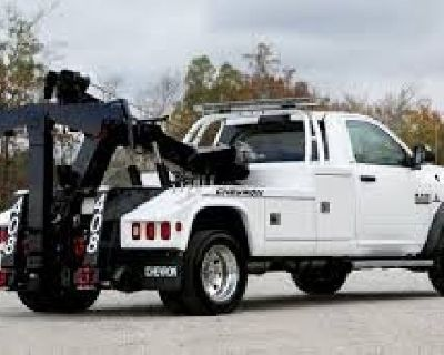 Tow truck service Denver - Beez Towing