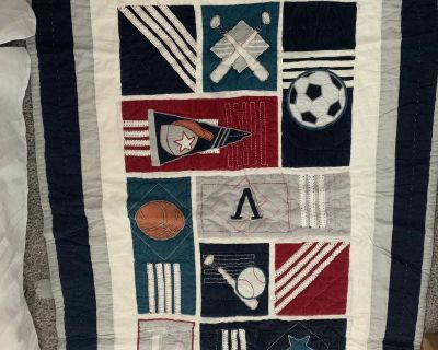 Crib or toddler bed quilt Pottery Barn