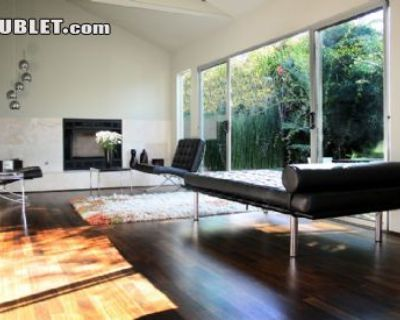 $1650 1 single-family home in West Los Angeles