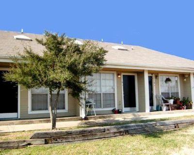 4019 Park Square Dr Arlington, TX 76013 1 Bedroom Apartment Rental