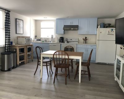 Oceanblock 1 bed/1.5 bathroom with Private Outdoor Space and Grill - Bethany Beach