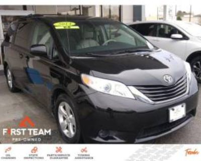2014 Toyota Sienna LE 8-Passenger FWD