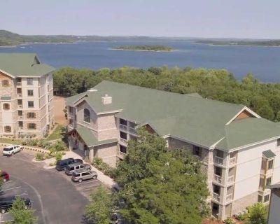 2300 sqft Presidential Suite near Branson Missouri on Table Rock Lake - Big Cedars