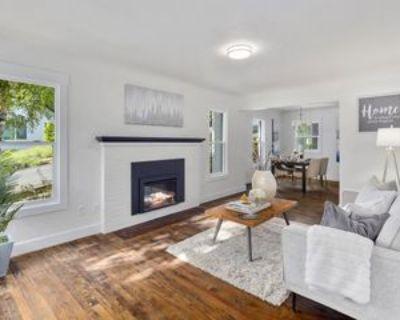 530 12th Ave E #530A, Seattle, WA 98102 2 Bedroom Apartment