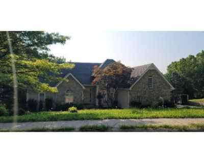 3 Bed 4.5 Bath Preforeclosure Property in Kansas City, MO 64116 - N Briarcliff Rd
