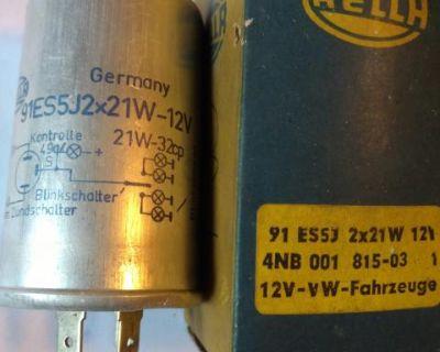 Hella 12 volt relay 211 953 183 A