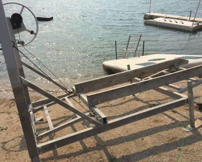 Jet ski boat lift