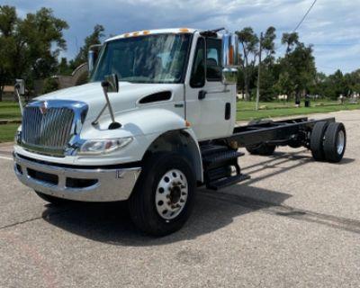 Truck, 2014 International DuraStar 4400, DT466 MaxxForce