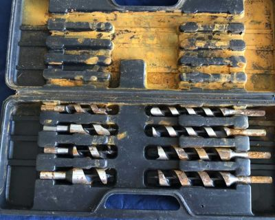 Drill bits and case