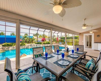 Walk to Rumrunners/cape Harbor Complex; 2 Master Bedroom Suites - Pelican