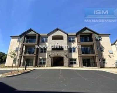 1111 W 8th St #16A, Chico, CA 95928 Room