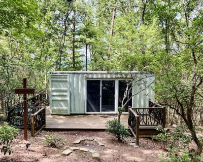 Pet-friendly Sunset Eco Container Cabin 10 minutes from Downtown Dahlonega - Dahlonega