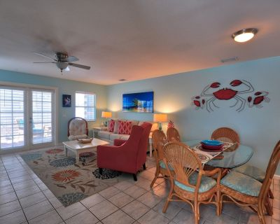 CASABELLA@DUVAL SQAURE Lovely 2 Bedroom 2.5 Bath Townhome in a great location - Uptown - Upper Duval