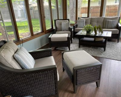 6 piece patio set like new condition never used outside