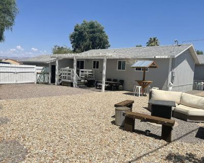 One block to the River and Rotary Park!! LOCATION LOCATION LOCATION!! - Bullhead City