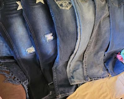 6 pairs of girls jeans 2 sweats