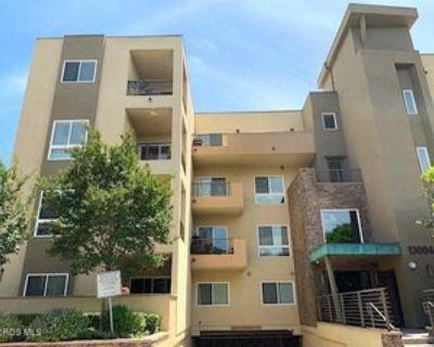 13004 Valleyheart Dr #PH4, Los Angeles, CA 91604 3 Bedroom Condo