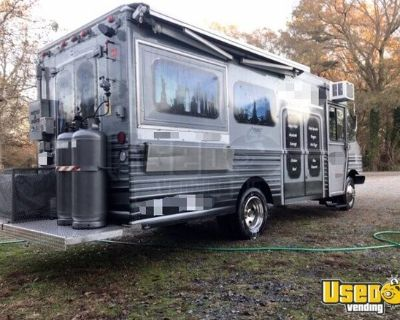 2001 Chevy Workhorse 24' Food Truck w/ Lightly Used 2021 Kitchen