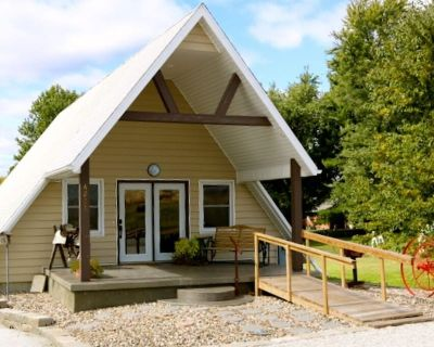 Cozy A-Frame house in heart of the midwest!!! - Quincy