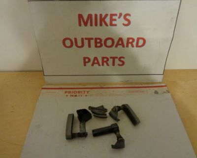 Yamaha 6e5-842817-00-ek Cowling Latch Set 80's - 90's @@check This Out@@@