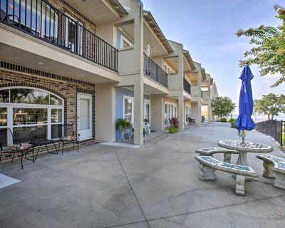 NEW! Lovely Condo w/ Balcony, Walk to The Beach! - Long Beach